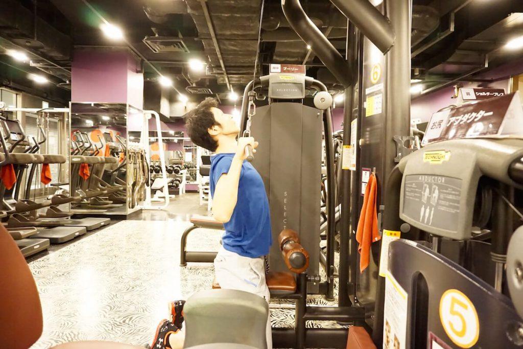 トレーニング,背中,背筋,ラットプルダウン