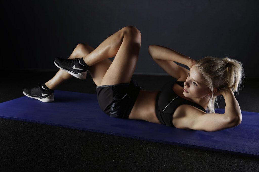 体幹トレーニング,腹筋,女性