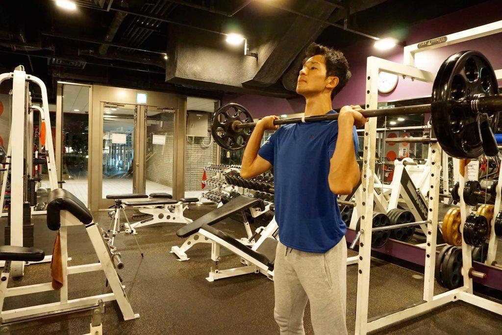 体幹トレーニング,ショルダープレス