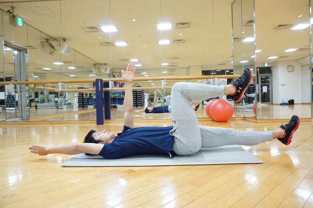 体幹トレーニング,デッドバグ